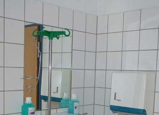 Dezynfekcja i czyszczenie rąk w pracy mechanika
