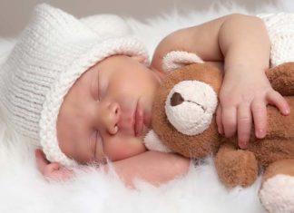 Czy warto podawać niemowlętom witaminę D