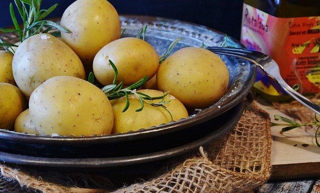 Jak długo gotować ziemniaki
